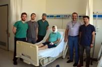 EGE BÖLGESI - Silahla Yüzünden Yaralanan Hastaya Kalça Kemiğinden Çene Yapıldı