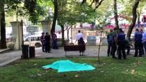 ADLİ TIP KURUMU - Bursa'da Bir Kişi Parkta Ölü Bulundu