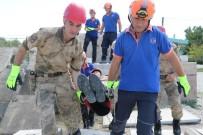 DEPREM BÖLGESİ - Jandarma Ve AFAD Ekibinden Nefes Kesen Tatbikat