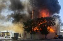 LOS ANGELES - Los Angeles'ta Mobilya İmalathanesinde Yangın