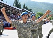YEMİN TÖRENİ - Manisa'da Yemin Eden Komandolar Zeybek Oynadı