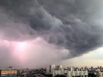 RUSYA - Moskova'da Fırtına Ve Korkutan Hortumlar