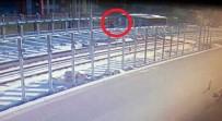 ONDOKUZ MAYıS ÜNIVERSITESI - Otobüsün Altında Kalan Kadın Hayatını Kaybetti