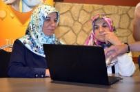 İL MİLLİ EĞİTİM MÜDÜRLÜĞÜ - Torunlarına Kızdılar İnterneti Öğrendiler