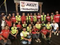 BİZ DE VARIZ - Akut Ve Motosiklet Tutkunları, Marmara Depremi Şehitlerini Unutmadı