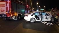 SAĞLIK EKİPLERİ - Bakırköy'de Kaza Açıklaması 2'Si Ağır 3 Yaralı