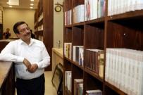 SELAHATTIN EYYUBI - Başkan Atilla 'Kitap Kahve'de İncelemelerde Bulundu