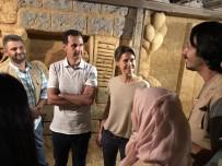 SURIYE DEVLET BAŞKANı - Beşar Esad, Şam'da Bir Tüneli İnceledi