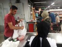MARKET - Beyoğlu'nda Bulunan Sosyal Market Bayram Öncesi Yüzleri Güldürdü