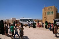 BÜLENT YıLDıRıM - Elazığ'dan Gelen Yardımları Görünce Gözyaşlarına Hakim Olamadılar