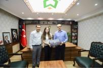 TIP ÖĞRENCİSİ - Kaymakam Ayca, Çukurca'nın İlk Tıp Öğrencisini Kabul Etti