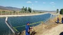 HÜSEYIN VURAL - Konya'da Otomobil Sulama Kanalına Devrildi Açıklaması 2 Ölü