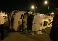 TÜRKLER - Motosiklet Minibüse Arkadan Çarptı Açıklaması 1 Ölü, 2 Yaralı
