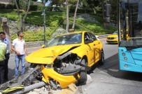 TAKSİ ŞOFÖRÜ - (Özel) Şişli'de 'UBER Sıkıştırdı' İddiasıyla Kaza Yapan Taksici Alkolü Çıktı