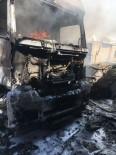 Park Halindeki Araçta Yangın Açıklaması 1 Yaralı