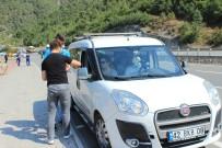 EMNIYET MÜDÜRLÜĞÜ - Vali Büyükakı'ndan Sürücülere 'Karpuz' İkramı
