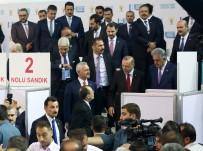 AYŞENUR BAHÇEKAPıLı - AK Parti'de Oylar Kullanılıyor
