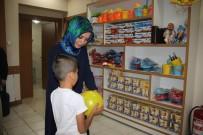 HAYAT AĞACı - Bayram Öncesi Çocuklara Giysi Yardımı