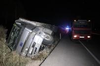 Bolu'da Kavşaktan Dönen Otomobil Kamyonla Çarpıştı Açıklaması 5 Yaralı