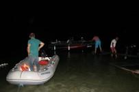 Burdur Gölü'nde Mahsur Kalan 2 Kişi Kurtarıldı