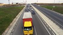 KURAL İHLALİ - Bursa'da Karayollarında Trafik Yoğunluğu