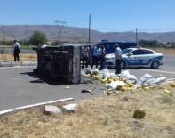 MOLLAKENDI - Elazığ'da Trafik Kazası Açıklaması 3 Yaralı