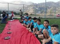 AYTAÇ DURAK - Kızıldağ Yaylasında Futbol Okulu Öğrencilerine Kebap Ziyafeti