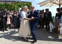VLADIMIR PUTIN - Putin, Avusturya Dışişleri Bakanı Kneissl İle Dansı Etti