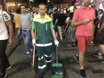 TEMİZLİK İŞÇİSİ - Taksim'de temizlik işçisinden insanlık dersi