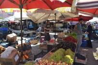 PAZAR ESNAFI - Afyonkarahisar'da Meyve Sebze Fiyatlarında Yüzler Gülüyor