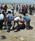 UZMAN ERBAŞ - Askerlerin İçinde Bulunduğu Otomobil Takla Attı Açıklaması 1 Ölü, 5 Yaralı