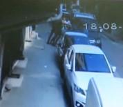 ALACAK VERECEK MESELESİ - Avcılar'da Sokak Ortasında Adamı Karga Tulumba Araca Bindirip Kaçırdılar