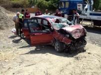 Bayram Tatiline Giden Aile Kaza Yaptı Açıklaması 5 Yaralı