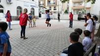 GENÇLİK MERKEZİ - Çocuklar Geleneksel Oyunlarla Şenlendi
