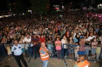 Devrek'te Düzenlenen Uğur Işılak Konseri Büyük İlgi Gördü