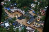 TOPRAK KAYMASI - Hindistan'da Muson Faciasında 300 Kişi Öldü