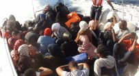 ALAÇATı - İzmir'de 85 Kaçak Göçmen Yakalandı