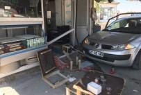 AMBULANS ŞOFÖRÜ - Kontrolden Çıkan Otomobil Lokantaya Daldı