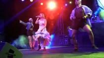 Romanyalı Şarkıcı Alexandra Stan, Çanakkale'de Konser Verdi