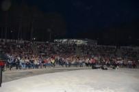 GONCA VUSLATERİ - 'Ay Işığında Sinema Geceleri' başladı