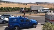 SÜTÇÜ İMAM ÜNIVERSITESI - Kahramanmaraş'ta minibüs tıra çarptı: 2 ölü, 12 yaralı