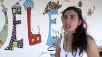 STRAZBURG - İmeceyle Yaptıkları Evde Bisikletli Konuklarını Ücretsiz Ağırlıyorlar
