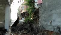 KARTAL BELEDİYESİ - Kartal'da İnşaatın İstinat Duvarı Çöktü Vatandaş Tepki Gösterdi