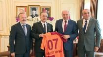 MEVLÜT UYSAL - Mustafa Cengiz'den Mevlüt Uysal'a Ziyaret