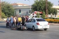 KIRMIZI IŞIK - (Özel) Işık İhlali Yapan Otomobile Motosiklet Çarptı Açıklaması 1 Yaralı