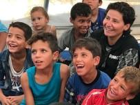 FİLM GÖSTERİMİ - Savaş Mağduru Çocuklar 6 Yıl Sonra Çizgi Film İzledi