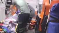 TEM OTOYOLU - TEM'de Tıra Çarpan Otomobil Şarampole Devrildi Açıklaması 2 Ölü 3 Yaralı