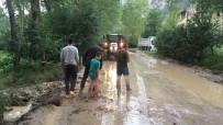 Yoğun Yağmur Mudurnu'da Köy Yollarını Vurdu