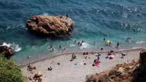RÜZGAR SÖRFÜ - Akdeniz Sahillerinde Bayram Yoğunluğu