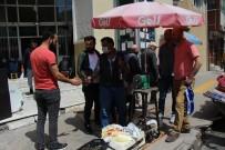 Ardahan'da Kurban Bayramı Öncesi Bıçaklar Bilendi